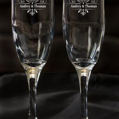 Set of 2 champagne flues, personali..