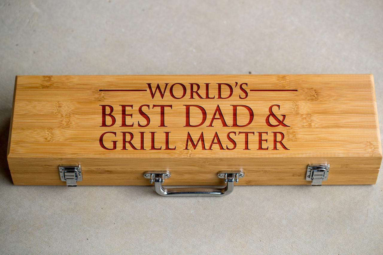 3 piece BBQ Grill Tool set,world's best dad and grill master BBQ tools,Grill tool set,gift for him,BBQ dad,Engraved grill ware,Grill master