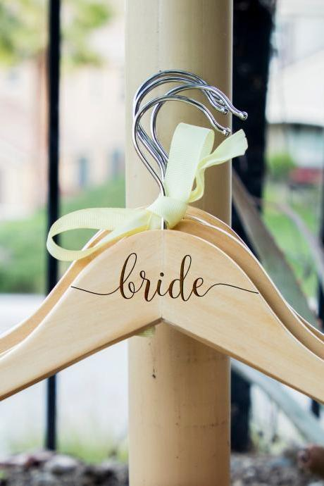 Bridal party hangers for wedding, personalize bride dress hangers, wedding dress hanger, name hanger,hanger for wedding dress,dress hanger