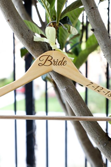 Custom Bride hangers for wedding,wedding dress hanger,name hanger,hanger for wedding dress,dress hanger,Engraved hanger,wooden engrave,wood