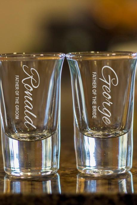 father of the groom shot glasses,customize shot glasses,wedding shot glasses, 1.5 oz shot glasses,wedding favor,mother of the bride glass