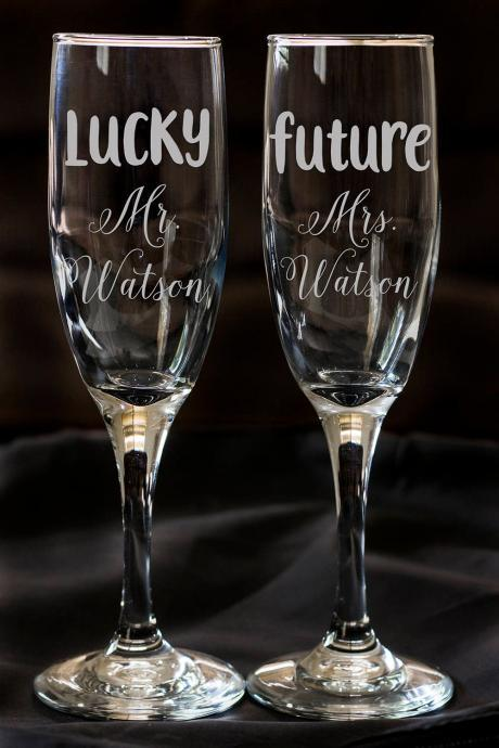 Set of 2 champagne flues, personalized names wedding toasts, Engraved Champagne Flute, Engraved Wedding Champagne Glasses,Custom,Engraved.