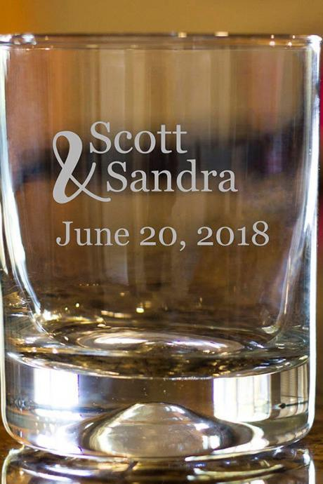 couple rock glass,Personalize Rock glass,Engraved Whiskey glass, etched Whiskey glass,Bourbon Glass,wedding gift,Bachelor party