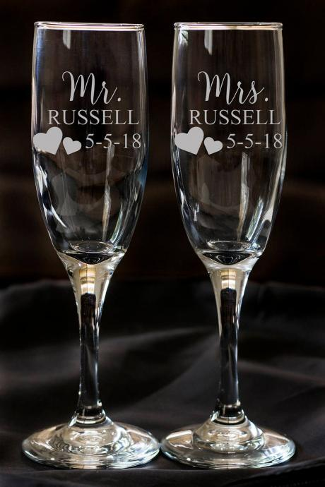 Set of 2 champagne flues, personalized names wedding toasts, Custom Personalized Champagne Glass, Engraved Wedding Champagne Glasses,Custom