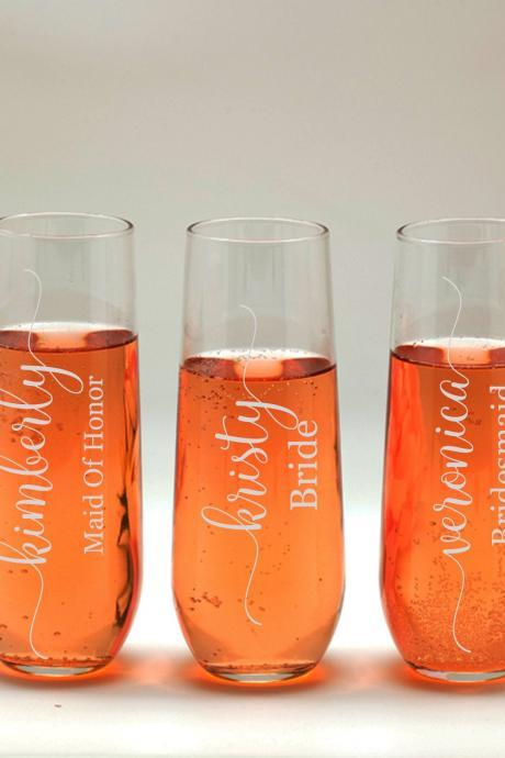 Customize Champagne glass, Bridesmaid names wedding toasts, Wedding stemless flutes, Engraved Wedding Glasses,Customize champagne flutes