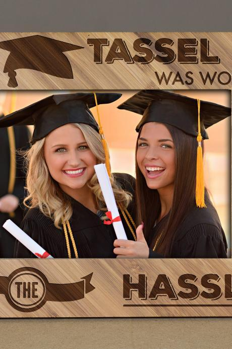 graduation frames, Wooden engraved frame, graduation frame for parents,graduation frame 2019, graduation fraternity, graduation tassel frame