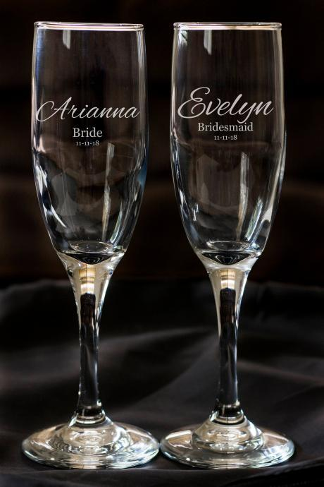Set of 2 champagne flues, personalized names wedding toasts, Wedding Champagne Flutes, Etched Toasting Flutes,Custom