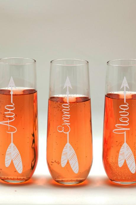 Name on arrow champagne glass, Bridesmaid names wedding toasts, Wedding stemless flutes, Engraved Wedding Glasses,Customize champagne flutes