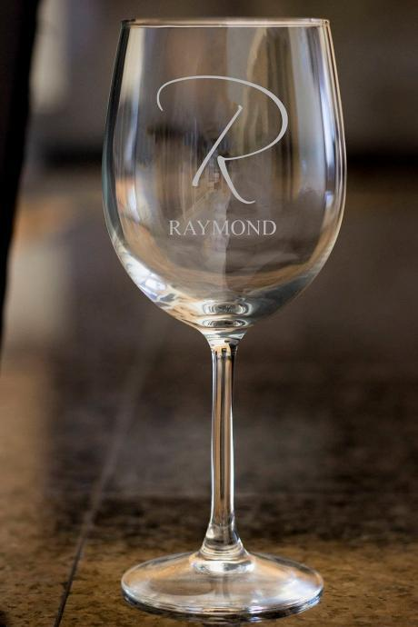 custom name wine glass,Personalize wine glass,Engraved wine glass, etched Wine glass,wedding gift,Bachelor party,Wedding Favor, anniversary