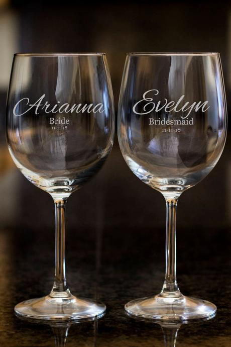 Bridesmaid wine glasses,Personalize wine glasses,Engraved wine glasses, etched Wine glasses,wedding gift, Bachelor party, Bridal shower gift